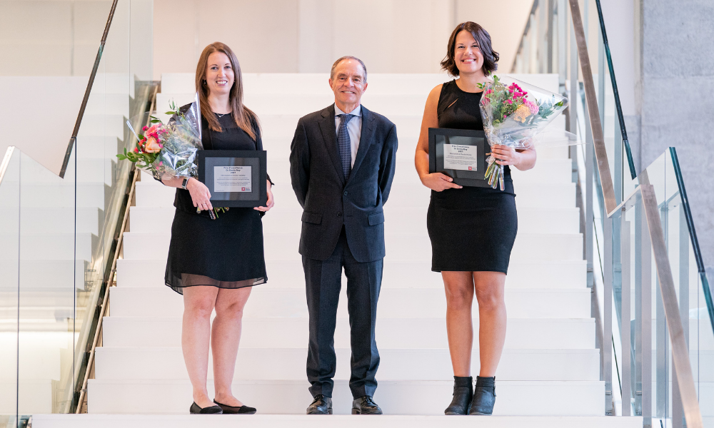 Dr. Denis Roy and the recipients of the Denis-Roy Award for Excellence, Claudie Roussy and Émilie Caplette